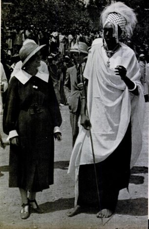 Leila Roosevelt with King Rudahigwa IV Mutare (LIFE, 20 June 1938, p. 44)