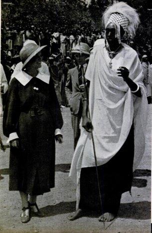 Leila Roosevelt with King Rudahigwa IV Mutare (LIFE, 20 June 1938, p. 44)